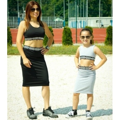 Completo crop top e gonna