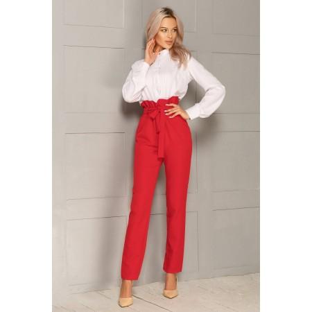 Pantalone rosso a vita alta